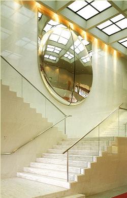エントランス階段オブジェ